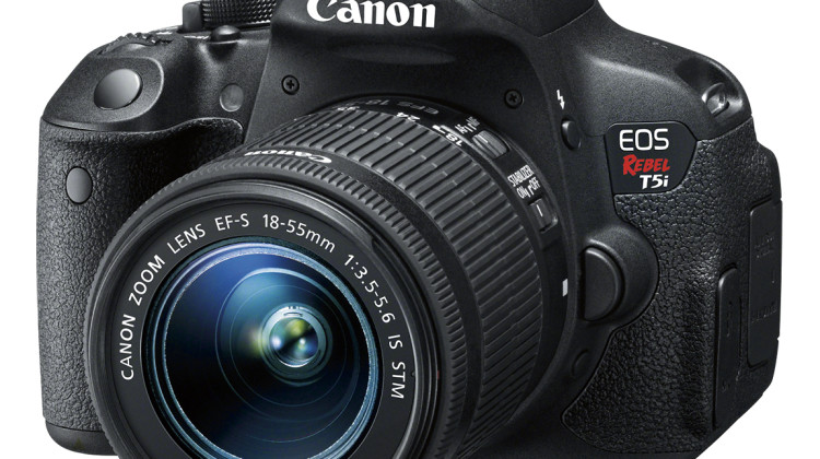 Christmas Wishlist : Canon EOS Rebel T5i Available @Best Buy #CanonatBestBuy #HintingSeason