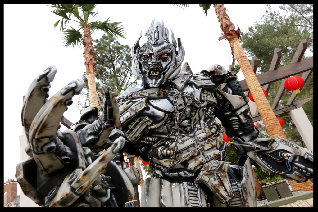Megatron - Lunar New Year at USH